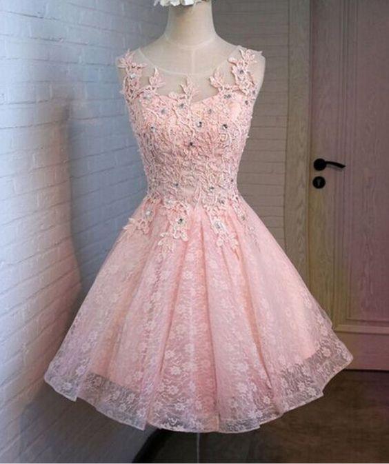 Robe de soirée rose courte brodée